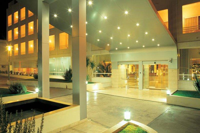 Maria Nova Lounge hotel entrance at night